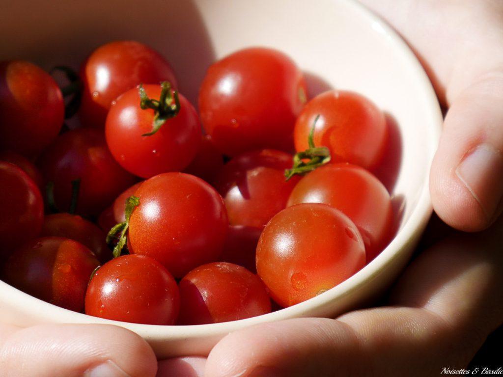 De belles tomates cerises bio et locales pour vous accueillir sur mon site