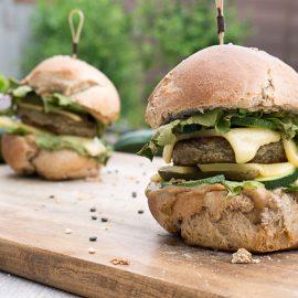 Des burgers lentilles et courgette pour apporter une touche de vert dans vos plaisirs gourmands