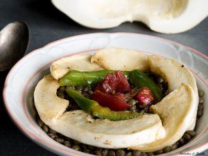 Miam, une salade de rentrée avec du pâtisson, des lentilles, des poivrons et des tomates !
