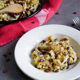 Une recette de fondue de poireaux, avec des haricots rouges et de la moutarde à l'ancienne. Un délice pour les papilles !