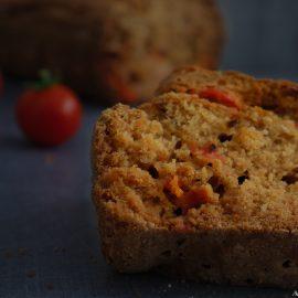 Un bon petit cake au tomate cerise, idéal pour terminé l'été en douceur