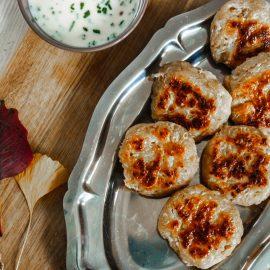 Le céleri-rave pourrait bien t'apporter plus que des nutriments. À travers cette recette, c'est un délice qui se présente à toi.